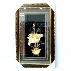 Картина с соломкой 35х57 см. Ваза с лилией