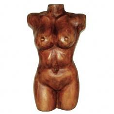 Деревянная женская фигура