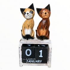 Календарь настольный Кошки h=20 см. (дерево)
